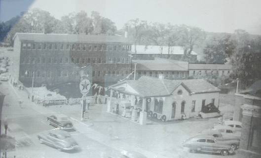 Robinsons Hardware and Rental's current Hudson Location - Circa 1950's